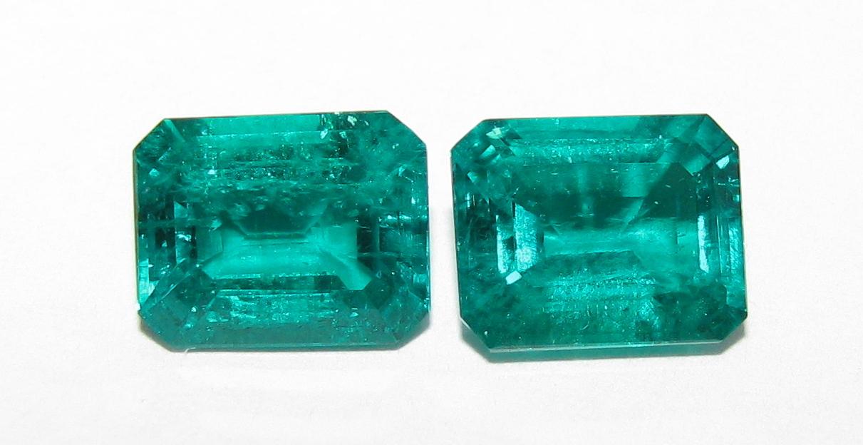 C grade 8x10mm Avarra lab-grown Colombian emeralds